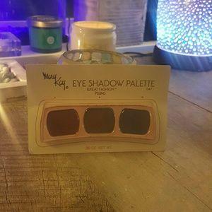 Mary Kay Vintage Eye Shadow Palette